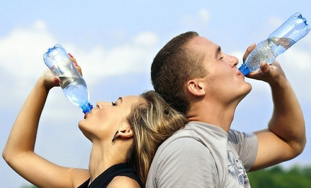 drinking healthy water