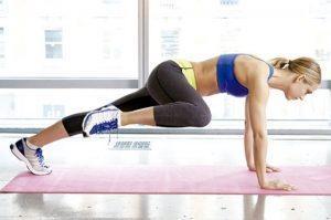 spiderman-plank exercise