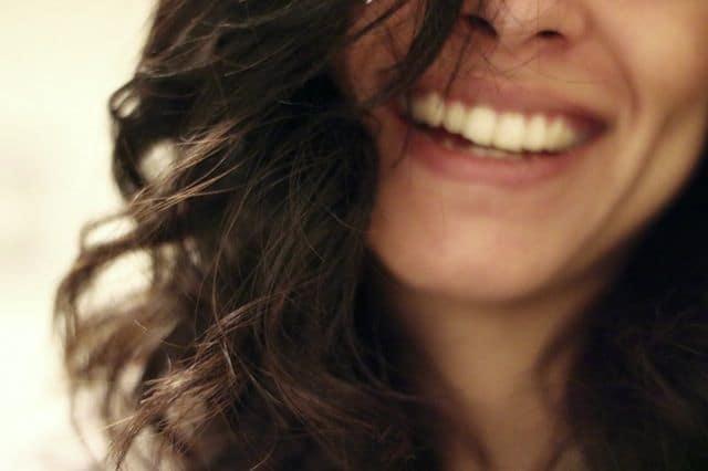 Whiten Teeth Using Home Remedies - Easy & Effective